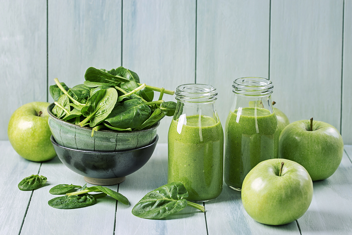Green apples, spinach and fresh juice