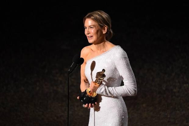 Renee Zellweger wins best actress Oscar for biopic 'Judy,' produced by Oklahoman Mickey Liddell