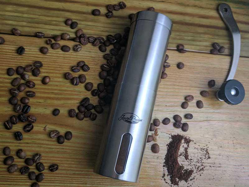 essential-coffee-tools-grinder