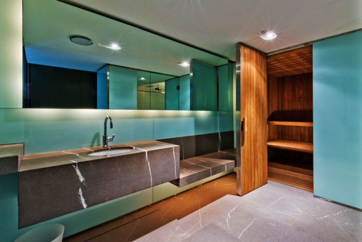 Integral house 194 roxborough Drive - sauna room