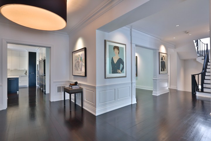 157 South Drive - Hallway To Kitchen With Mouldings