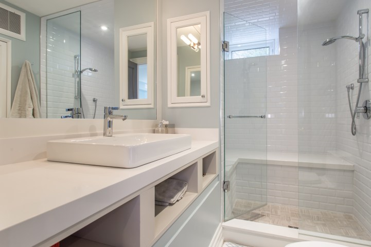 181 Crescent Road - Bathroom with Shower