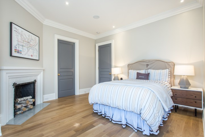 181 Crescent Road - Bedroom with Fireplace Entry