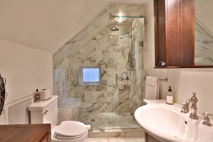 230 Russel Hill Rd - Bathroom With Shower