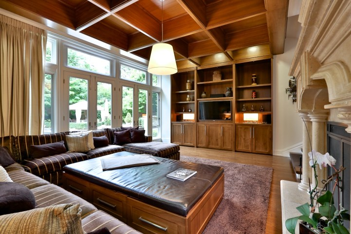 230 Russel Hill Rd - Family Room w:Backyard Walkout