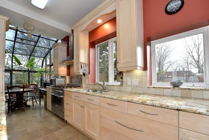 32 Beaty Avenue - Kitchen
