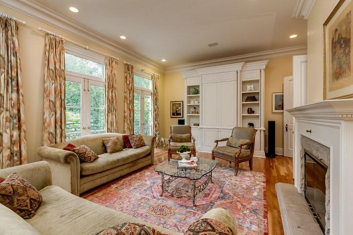 37 Edgehill Road - Family Room