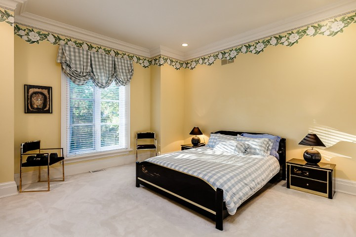37 Edgehill Road - Yellow Bedroom