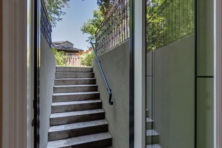 390 Brookdale Avenue - Basement Walkup