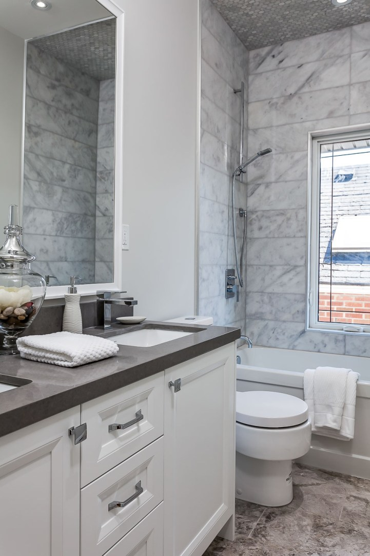 390 Brookdale Avenue - Bathroom Marble Tile Vanity