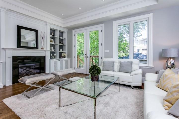 390 Brookdale Avenue - Family Area