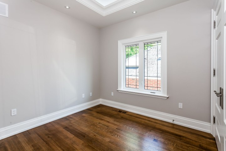 390 Brookdale Avenue - Small Bedroom With Closet