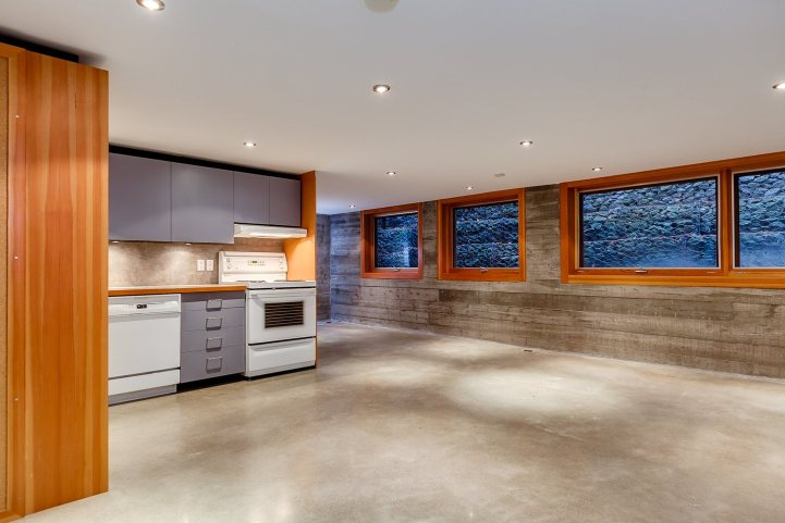 421 The Kingsway - Second Kitchen