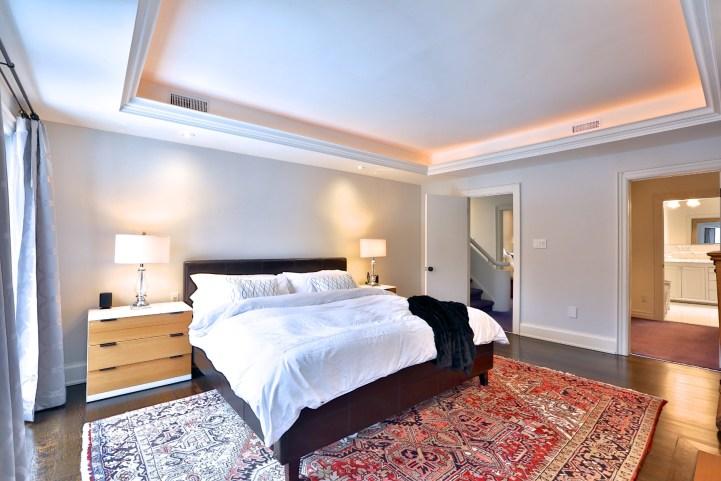 91 Crescent Road - Master Bedroom Towards Entrance
