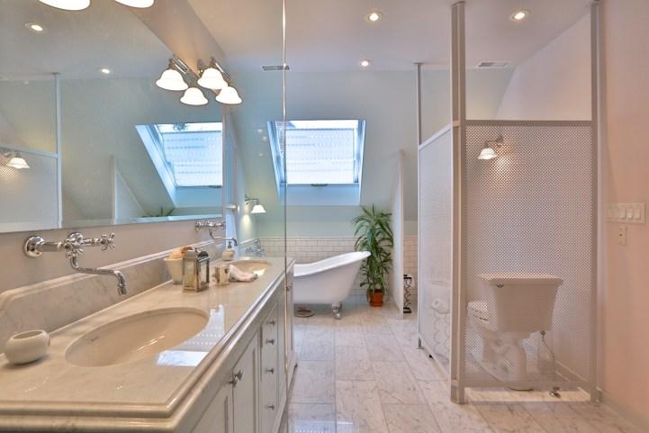 91 Crescent Road - Master Ensuite Bathroom