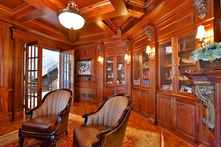 12 The Bridle Path - Library
