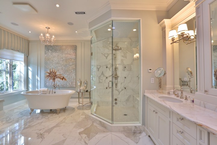12 The Bridle Path - Master Ensuite and Vanity