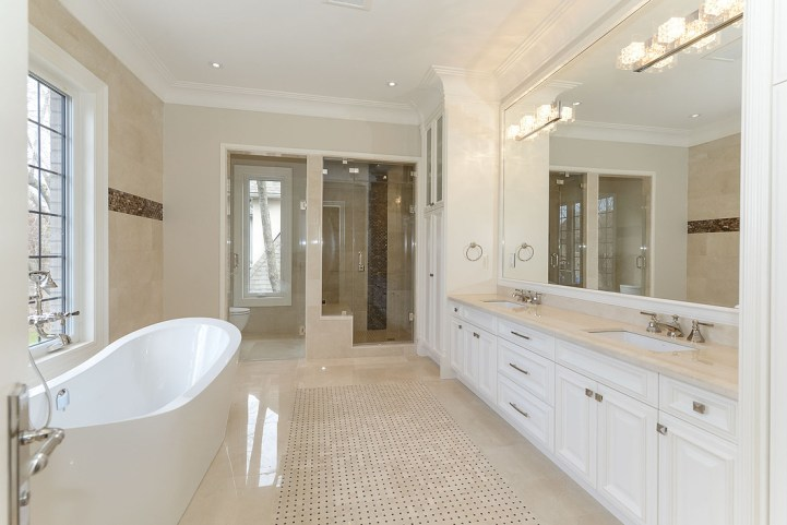 54A Heathcote Avenue - Master Ensuite Bath