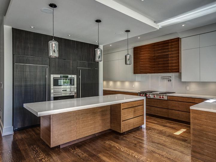 99 Buckingham Avenue - Kitchen