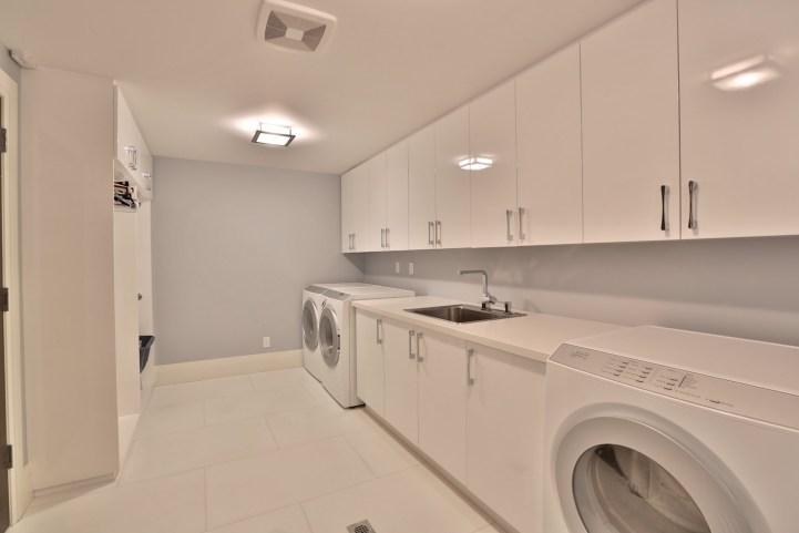 110 Arjay Crescent - Laundry Room