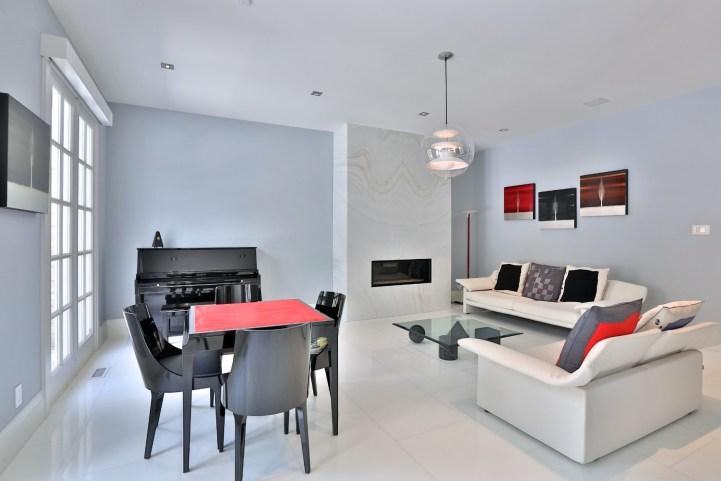 110 Arjay Crescent - Living Room