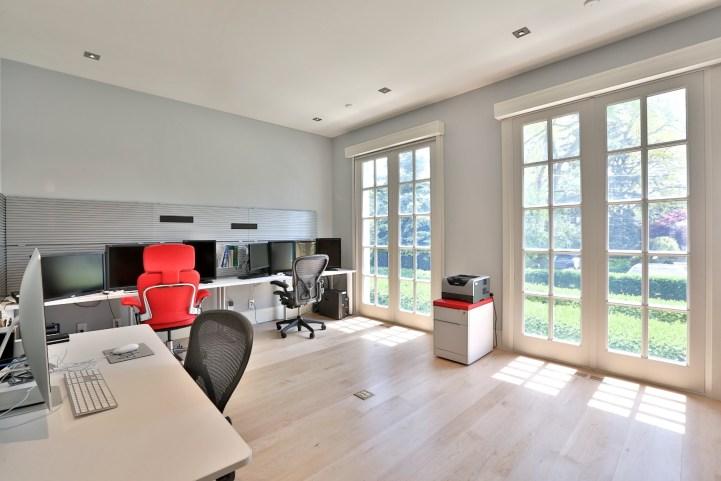 110 Arjay Crescent - Office
