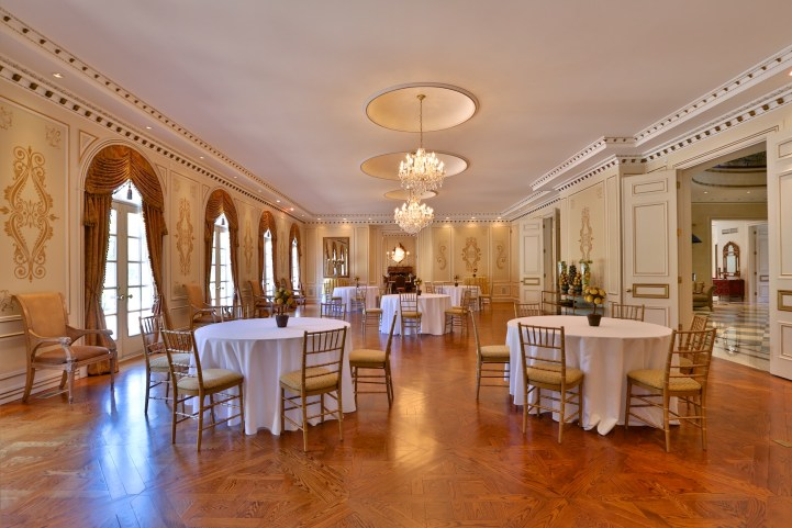 16 High Point Road - Ball Room