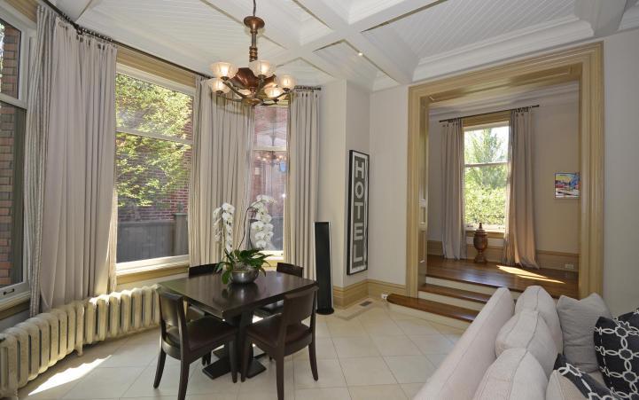 20 Elm Avenue - Family Room Table