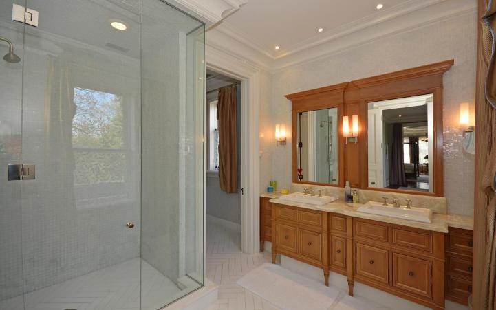 20 Elm Avenue - Master Bedroom Ensuite Shower