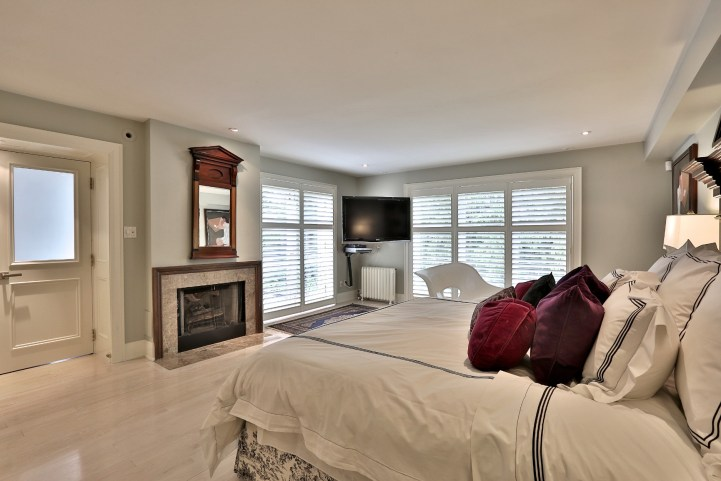 376 Russell Hill Road - Master Bedroom