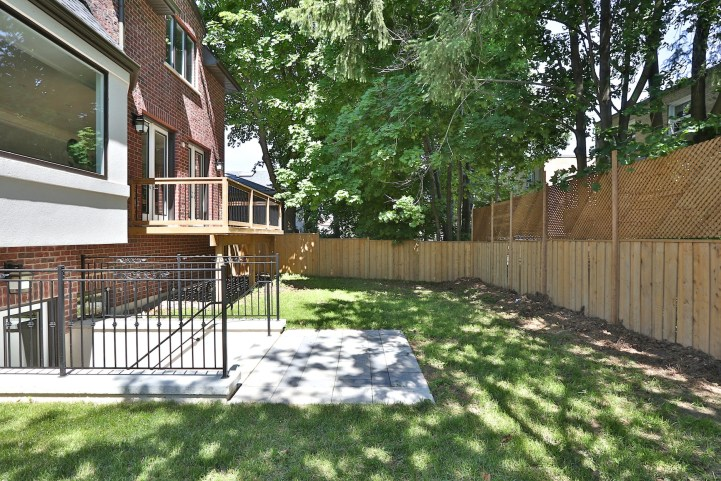 491 Glengarry Avenue - Backyard