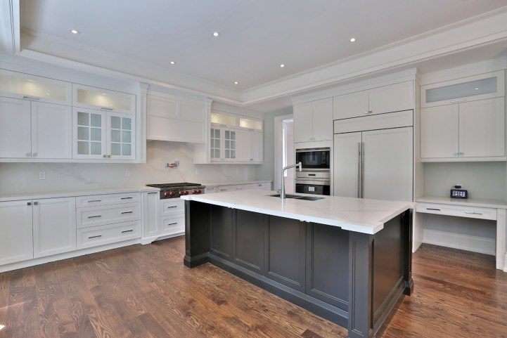 491 Glengarry Avenue - Kitchen