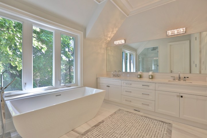 491 Glengarry Avenue - Master Bedroom Ensuite Vanity