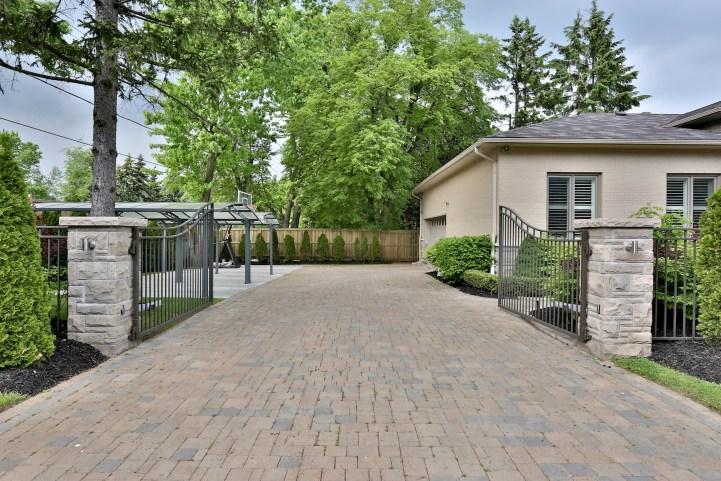 8 Forest Heights Blvd - Exterior Gates
