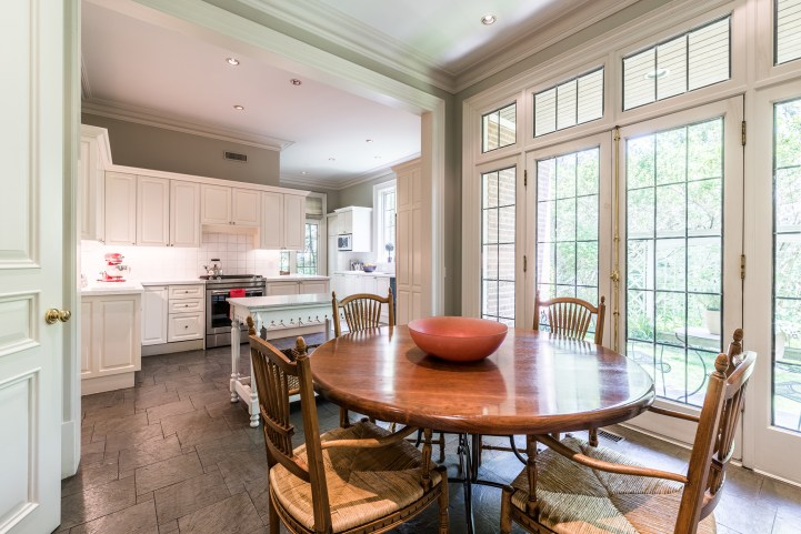 88 Wychwood Park - Kitchen Breakfast Table
