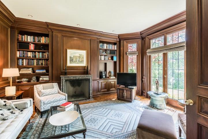 88 Wychwood Park - Oak Panelled Library