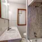 4685 West 8 Avenue Vancouver BC - Bathroom 2