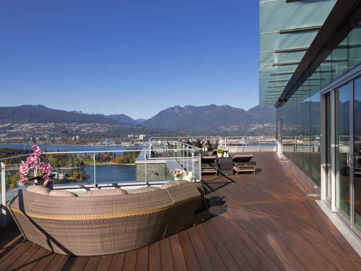3101 - 277 Thurlow Street, Vancouver, BC - Another Patio