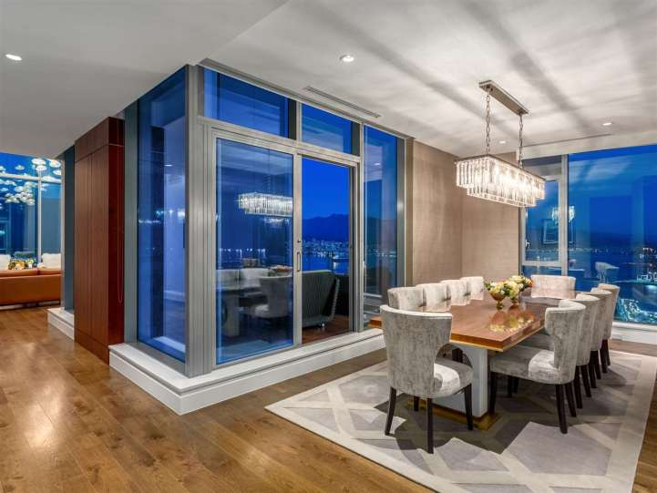 3101 - 277 Thurlow Street, Vancouver, BC - Formal Dining Room