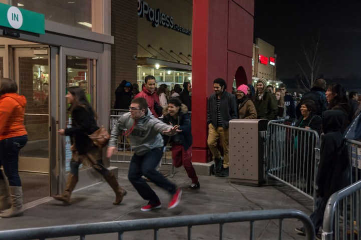 Canadians Households To Accumulate 3% More Consumer Debt On Black Friday