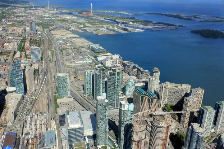 Teranet - Toronto and Montreal Real Estate Prices Drop, Vancouver Soars