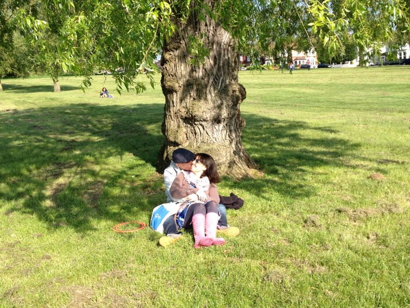 George and Mariacristina under a tree on Streatham Common