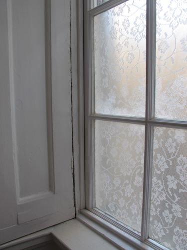 DIY Easy Window Privacy Screens With Fabric And