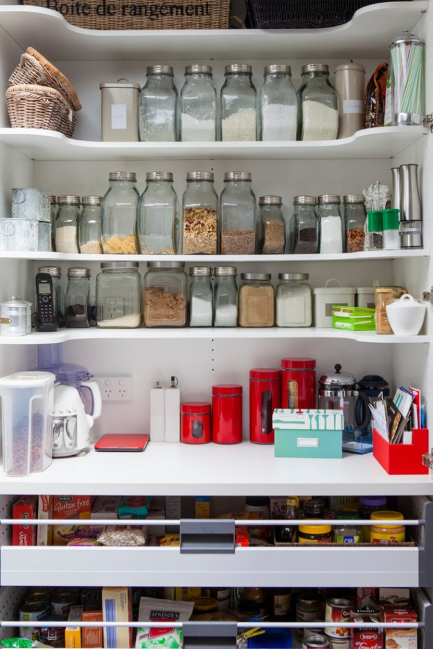 smart kitchen makeover: these 7 must-have ideas will save your life