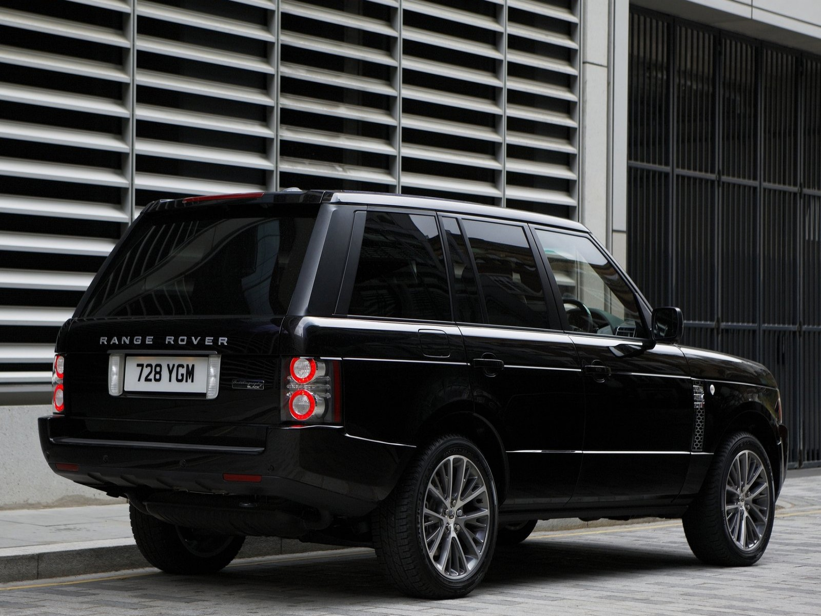 Land Rover Range Rover Autobiography technical details history