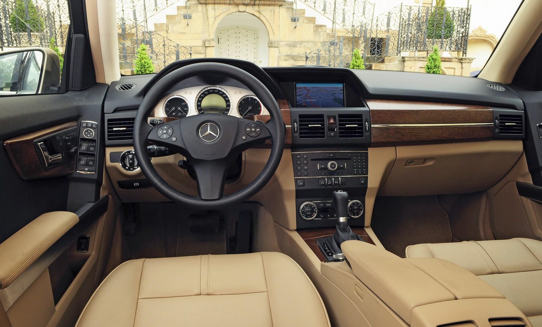 Mercedes Benz GLK 320 Image 6