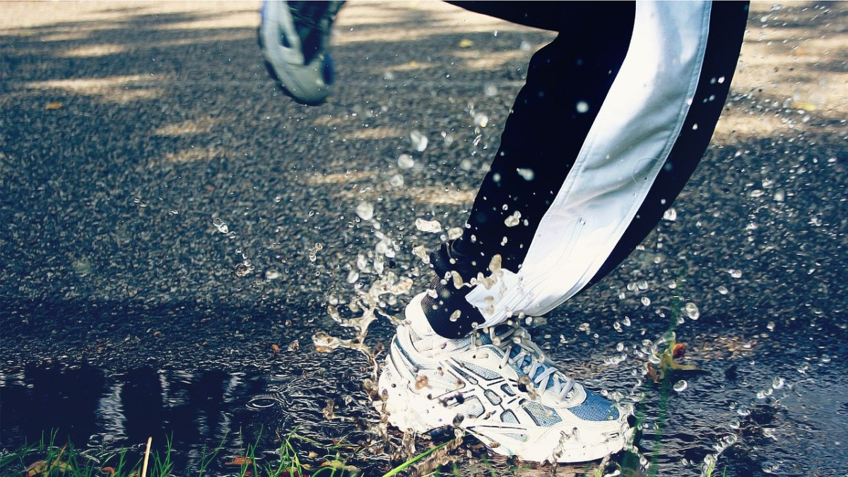 Running in the Rain: The Best Gear for your Rainy Runs