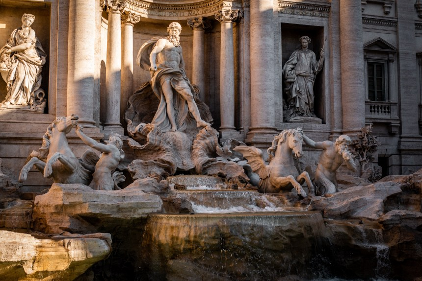 Fontana di Trevi Trevi fountain a week in Rome what to see