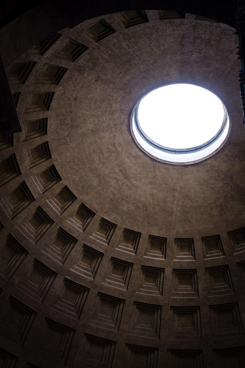 oculus Pantheon & Fontana del Pantheon Rome travler must see 5 days trip plan