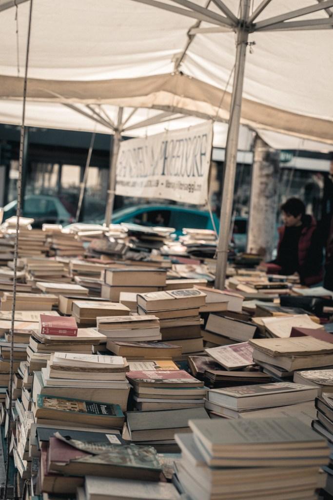 Piazza del Popolo second hand books stand